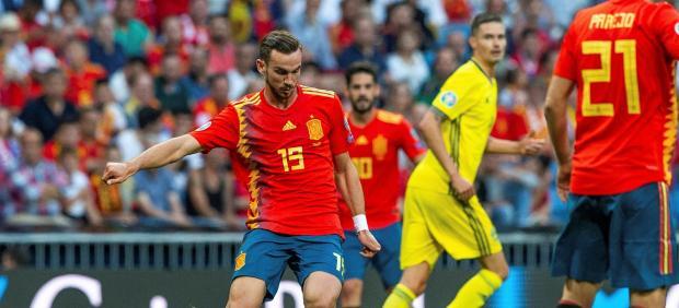 Fabián con la selección ante Suecia