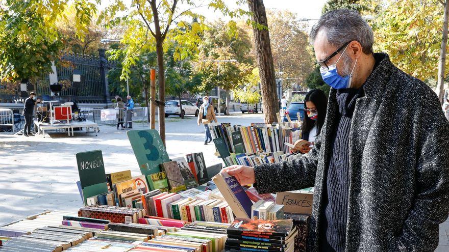 El confinamiento sirvió para leer: los españoles dedicaron más tiempo a la lectura en 2020 y les ayudó a