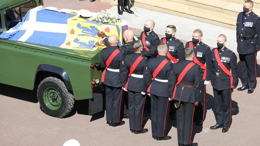 La Familia Real británica despide al duque de Edimburgo en un funeral en la capilla de San Jorge