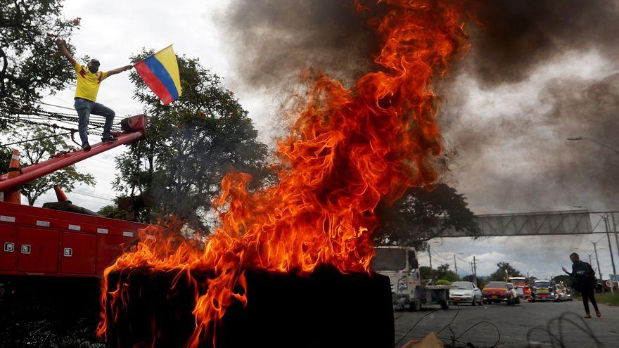 19 muertos y 800 heridos en las protestas contra la reforma fiscal en Colombia