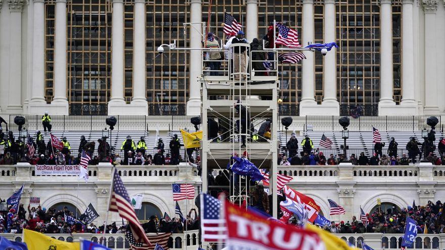 Los senadores republicanos bloquean la creación de una comisión sobre el asalto al Capitolio de EEUU