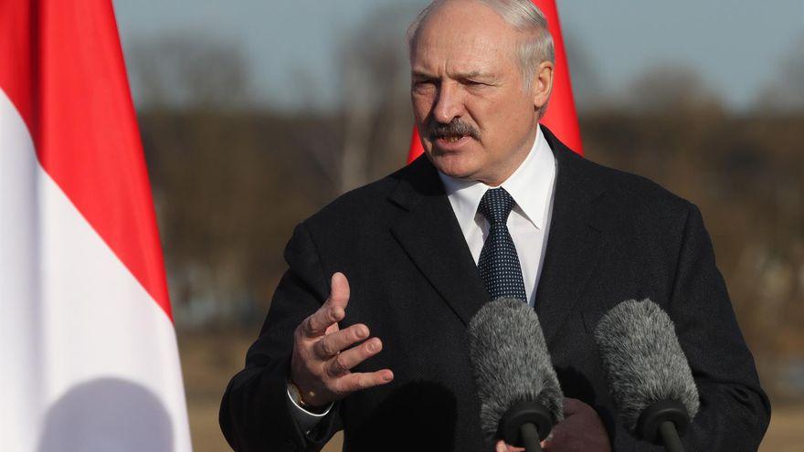 Lukashenko desvía un avión a Minsk para detener a un periodista bielorruso