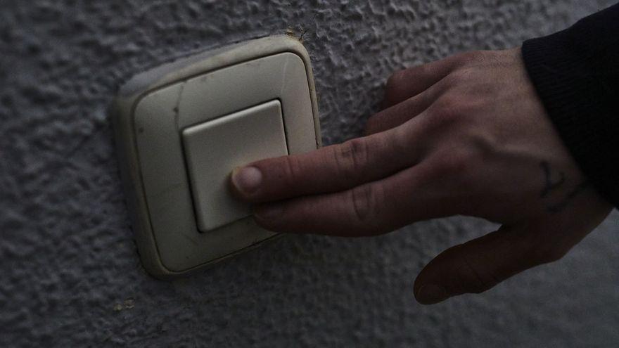 El recibo de la luz se dispara un 45% en la primera quincena de junio, con casi 28 euros más