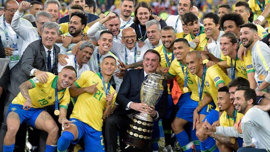 Bolsonaro espera usar la Copa América en plena pandemia para mejorar su mala imagen