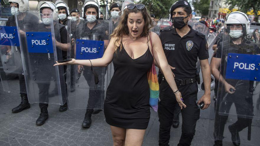 Protestas feministas en Turquía por la salida del tratado contra la violencia machista