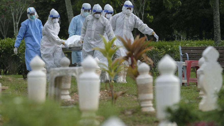 Al menos cuatro millones de personas han muerto por coronavirus en el mundo