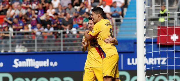 Messi y Luis Suárez celebran un gol del Barcelona