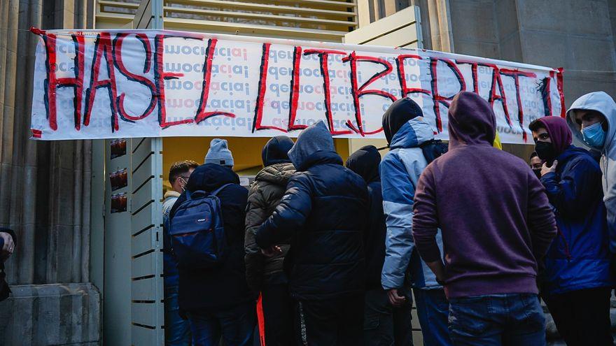 Francia y los límites de la libertad de expresión: ¿qué raperos han ido a la cárcel por sus versos?