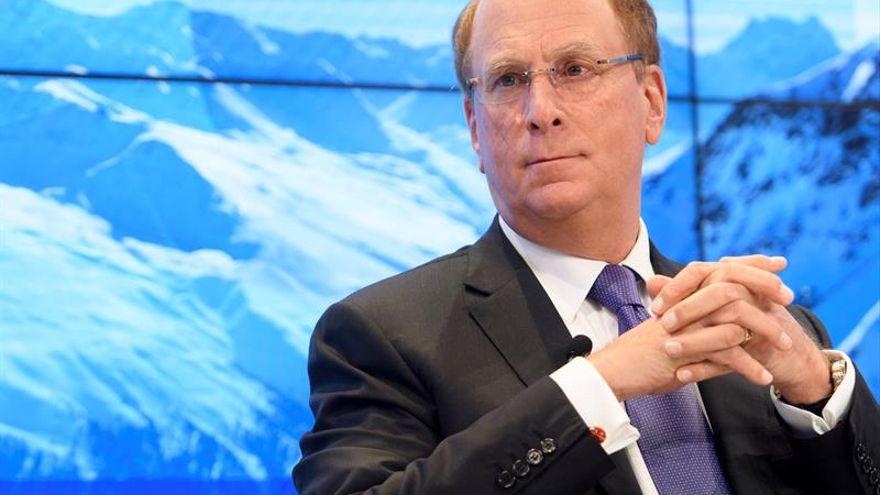 Los fondos extranjeros, liderados por Blackrock, captan 25.000 millones de inversores españoles en 2020 pese al virus