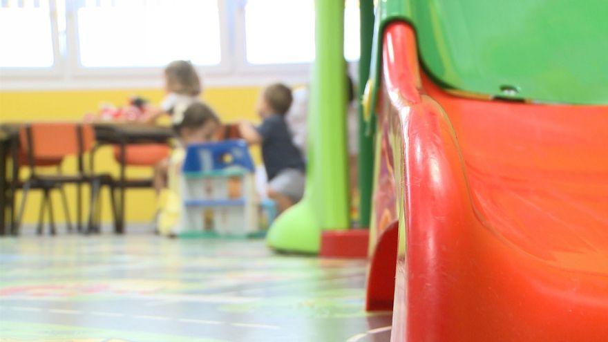 Escuelas y colegios privados quitan un día de vacaciones a los profesores por la jornada electoral del 4M