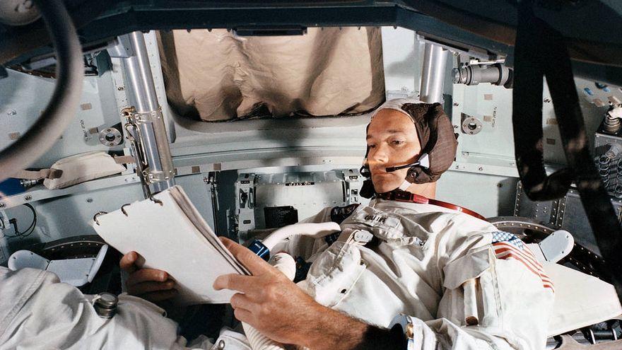 Muere Michael Collins, el astronauta de la primera misión en llegar a la Luna que no pisó el satélite