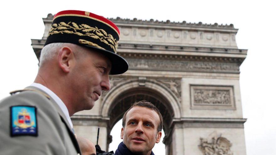 Francia sancionará a militares por animar a la insurrección en una carta abierta contra