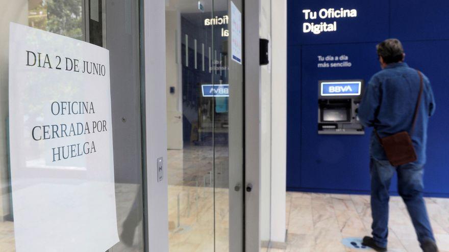 BBVA acuerda con los sindicatos un ERE con 2.935 despidos y 480 oficinas cerradas que tendrá un coste de 960 millones