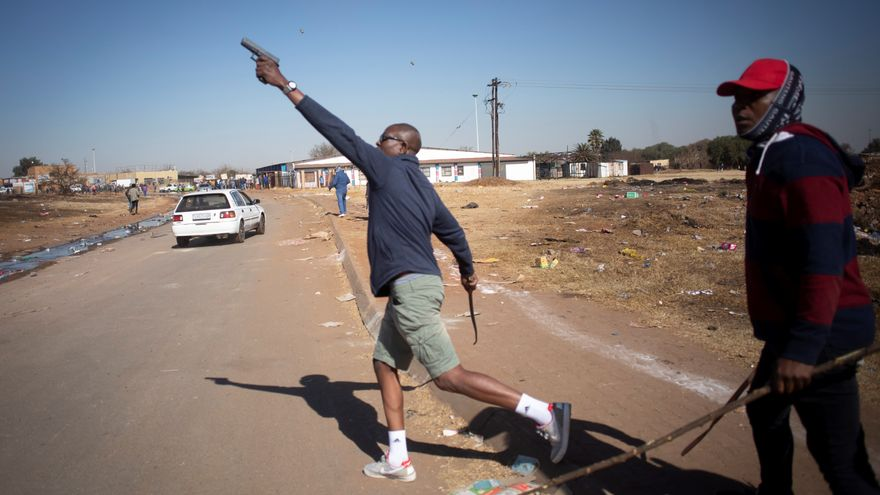 Cinco claves para entender el estallido de violencia en Sudáfrica