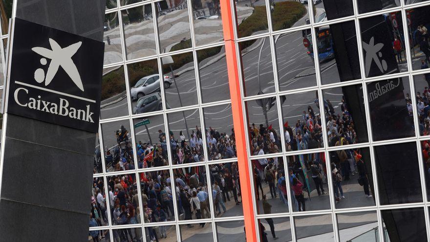 Una incidencia técnica provoca la caída del servicio de CaixaBank en oficinas, cajeros y su aplicación