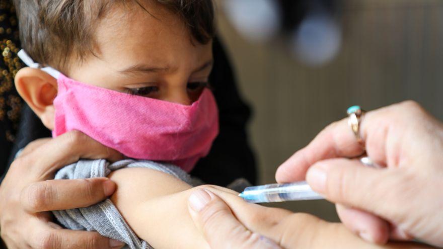 La pandemia interrumpió la vacunación rutinaria de 17 millones de niños en todo el mundo en 2020