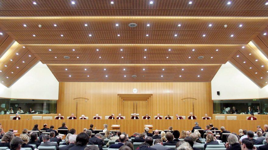 La Justicia europea avala la prohibición de expresiones políticas, filosóficas o religiosas en el lugar de trabajo por motivos de